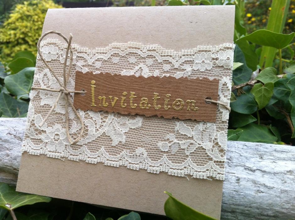 Faire part d'invitation mariage bohème chic en kraft et dentelle