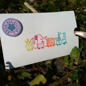 Détail pochette carte bienvenue bébé félicitation naissances