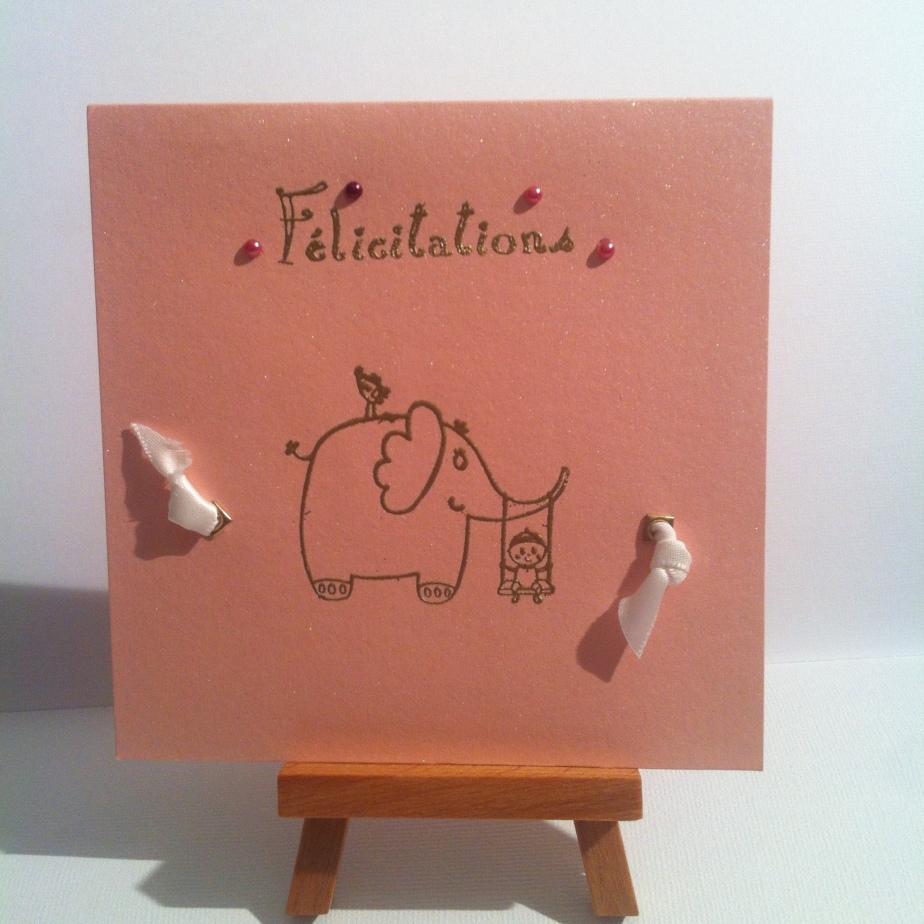 Carte de félicitation de naissance «éléphant rose»