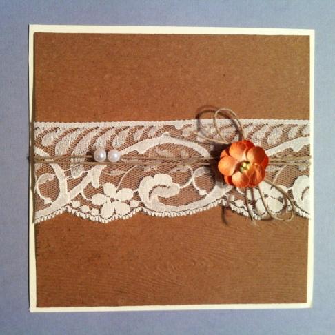 Mariage en dentelle et fleur