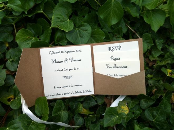 Faire-part de mariage à pochette pour insérer carton d'invitation repas et vin vin d'honneur