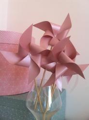 Moulins à vent rose pastel pour décoration de mariage ou baptême