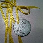 carte-pochette-veux-tu-etre-mon-temoin-demoiselle-dhonneur-blanc-gris-argente-et-ruban-jaune-8