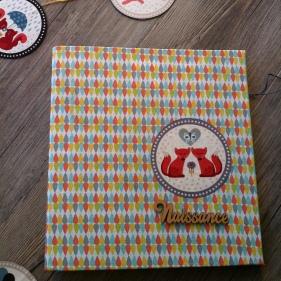 classeur-de-naissance-en-tissu-theme-renards-et-mot-naissance-en-bois-3