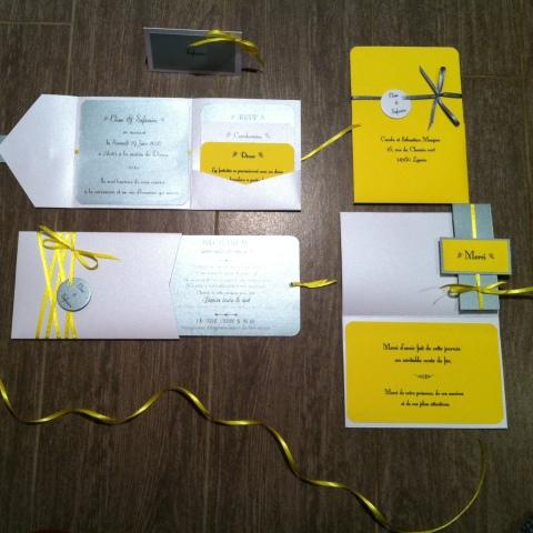 gamme-mariage-jaune-soleil-blanc-et-gris-argente-kit-de-papeterie-complet-faire-part-menu-carte-de-remerciement-marque-place-carte-demoiselle-dhonneur-temoin-mon-faire-part-est-unique-1