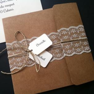Faire-part invitation mariage kraft et dentelle champêtre chic avec prénoms des mariés, mariage chic et original 2