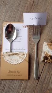 3-en-1 menu marque place, range-couvert, déco de table mariage, invités mariage 3